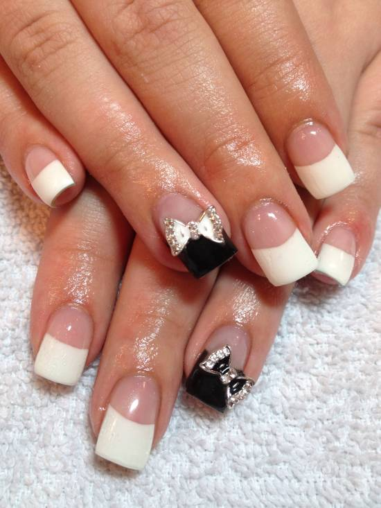 34 Black Tips Look Particularly Well On Sti Nails
