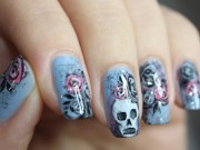rocking skull nail art design