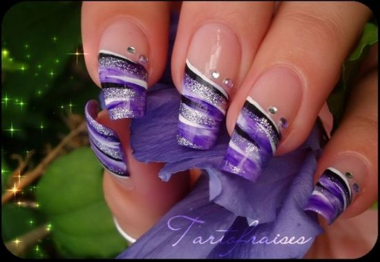 Nail Design With Stones
