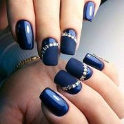 enchanting navy blue nail design
