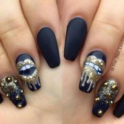 edgy black nails with design