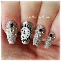 30 Glamorous New Years Nail Art | Nail Design Ideaz