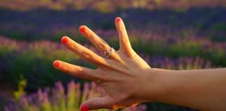 how fast do fingernails grow