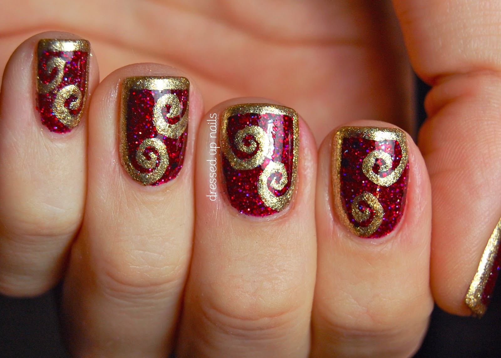 36cackle Red And Gold Nail Design