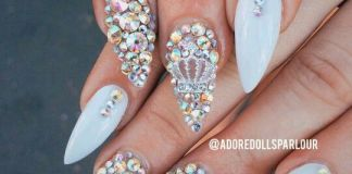 Crown Centered Rhinestone Nail Layout