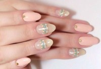 40 Simple And Clean Almond Nail Designs | Nail Design Ideaz
