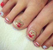 summer-inspired beach toenail
