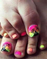 summer-inspired beach toenail