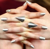 31 Amazing Metallic Nail Polish Designs
