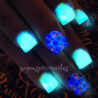 Nail Art, Nail Designs, Glow in the Dark Nails, Halloween ...