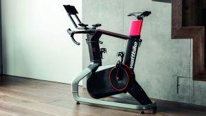 INDOOR CYCLING THUIS FIT WORDEN HOE DOE JE DAT? | BESTE BINNEN HUIS FIETS TRAINER