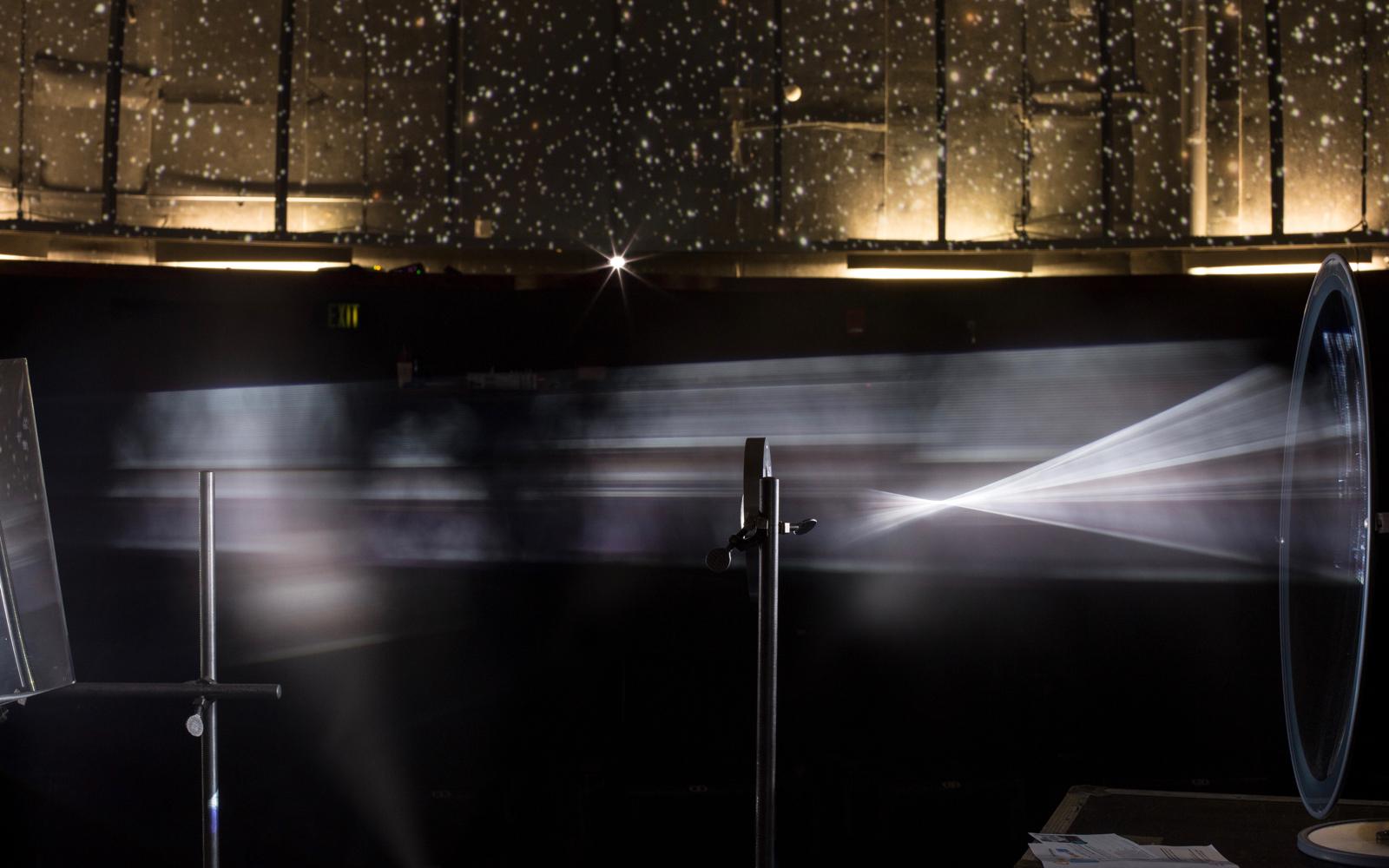 Un prototype d'installation représentant le trajet de la lumière