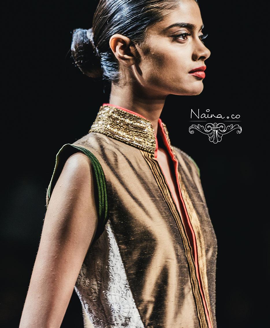 Wills Lifestyle India Fashion Week, Spring Summer 2013. Manish Malhotra by photographer Naina Redhu of Naina.co