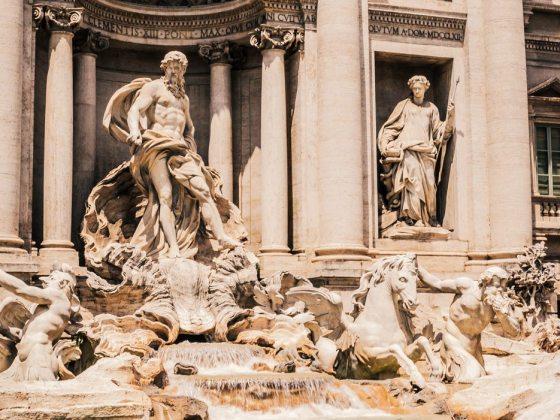 Trevi-Fountain-Rome-Italy-Fendi-Restoration-Lifestyle-Luxury-Photographer-Blogger-Naina.co-Travel-Photography-3