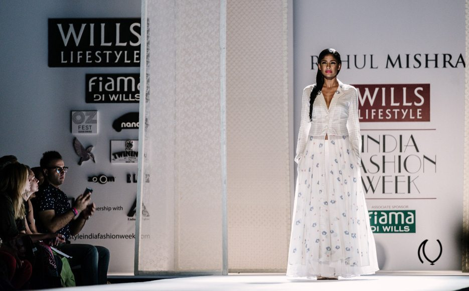 WIFWSS14-Naina.co-Rahul-Mishra-Wills-Lifestyle-India-Fashion-Week-Spring-Summer-2014-Raconteuse