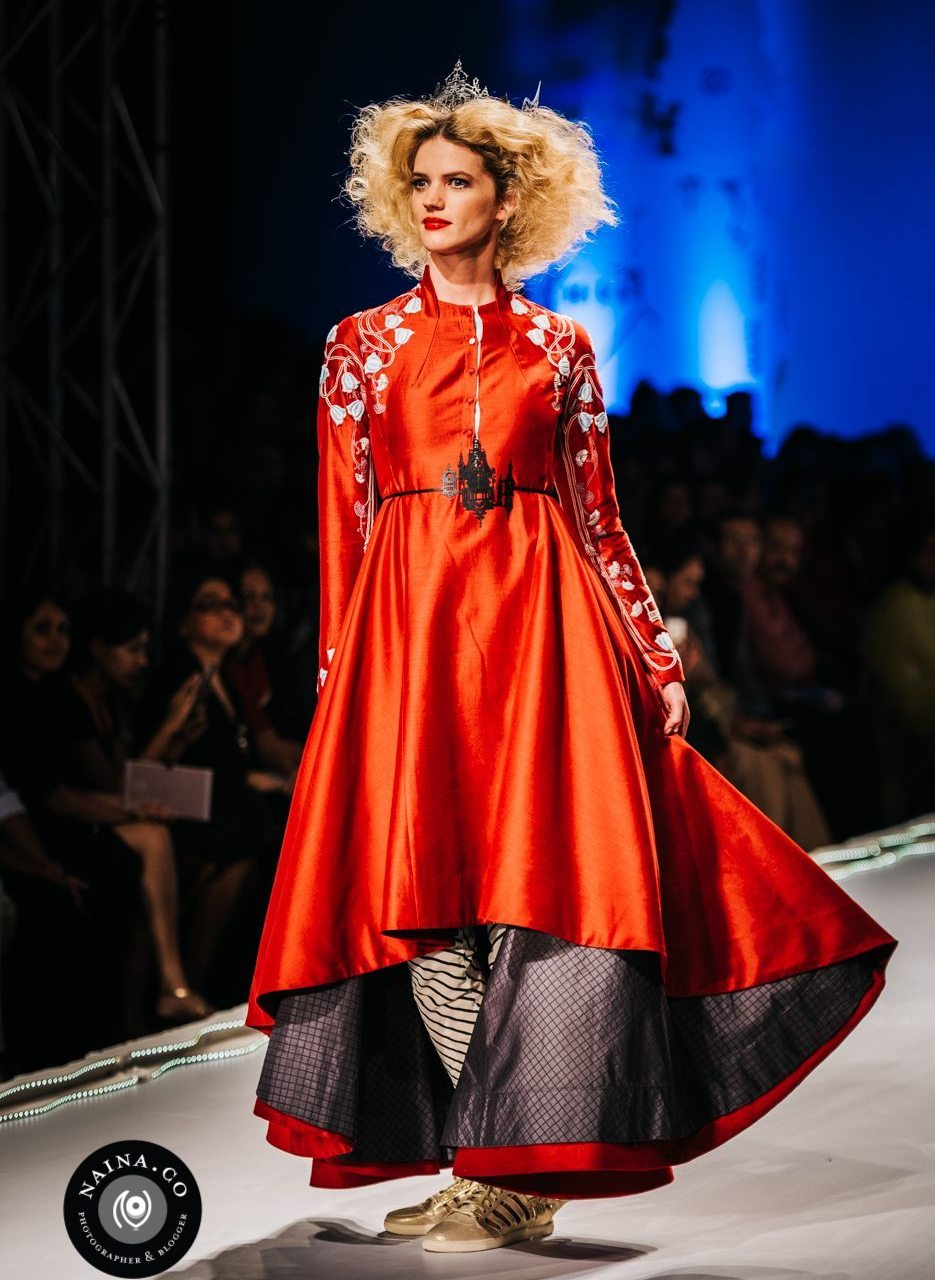 Naina.co-Raconteuse-Visuelle-Photographer-Blogger-Storyteller-Luxury-Lifestyle-AIFWAW15-Anju-Modi