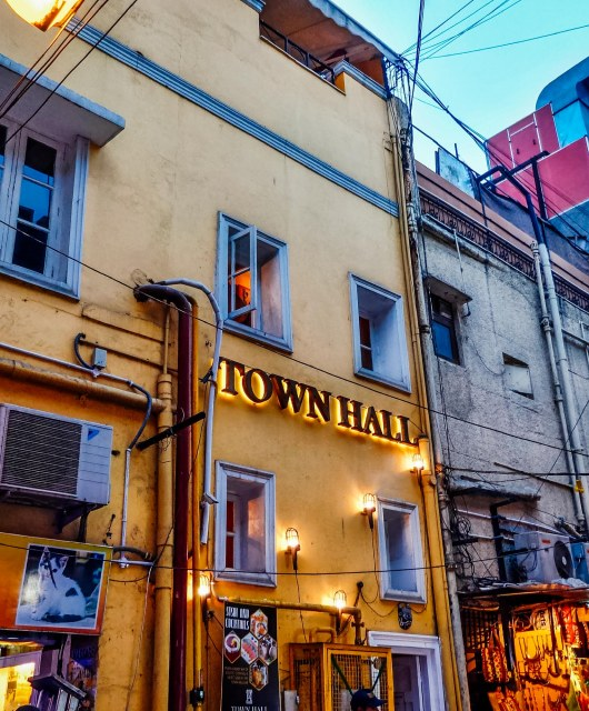 TownHall, Khan Market, #EyesForDining, Naina.co, Naina Redhu, Luxury, Lifestyle, Photographer, Blogger, Experience Collector
