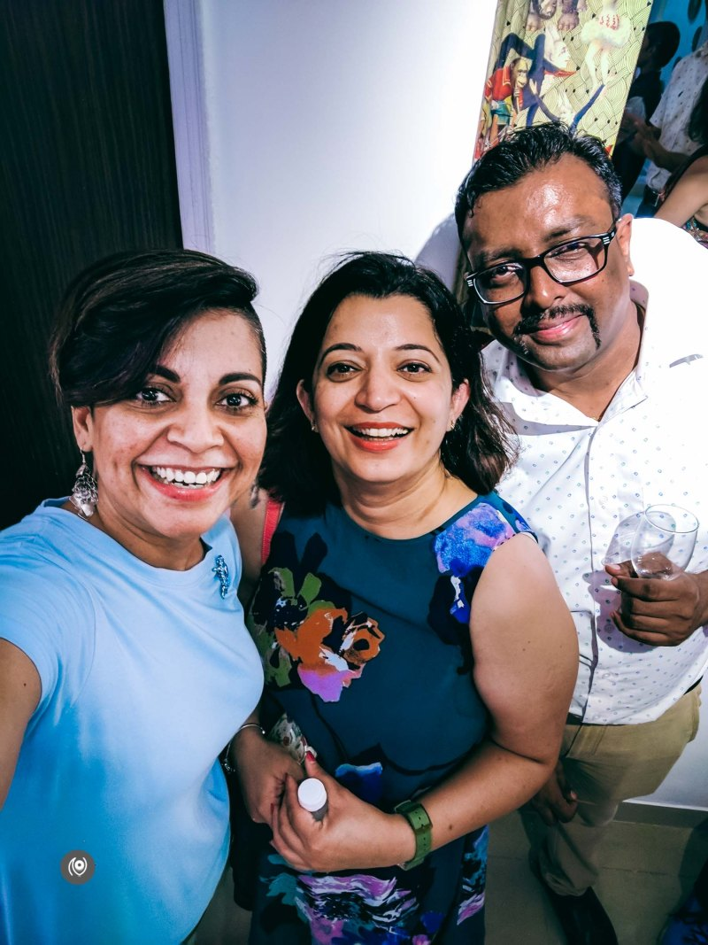 Naina.co, Naina Redhu, Smita Singh, La Decoupeuse, EyesForGurgaon, Art, Artist, Launch Event, Art Studio, Art Photographer, Art Blogger, Luxury Photographer, Luxury Blogger, Lifestyle Photographer, Lifestyle Blogger, Gurgaon, EyesForGurugram, Gurugram, India, Decoupage, Mirrors, Furniture, Artwork