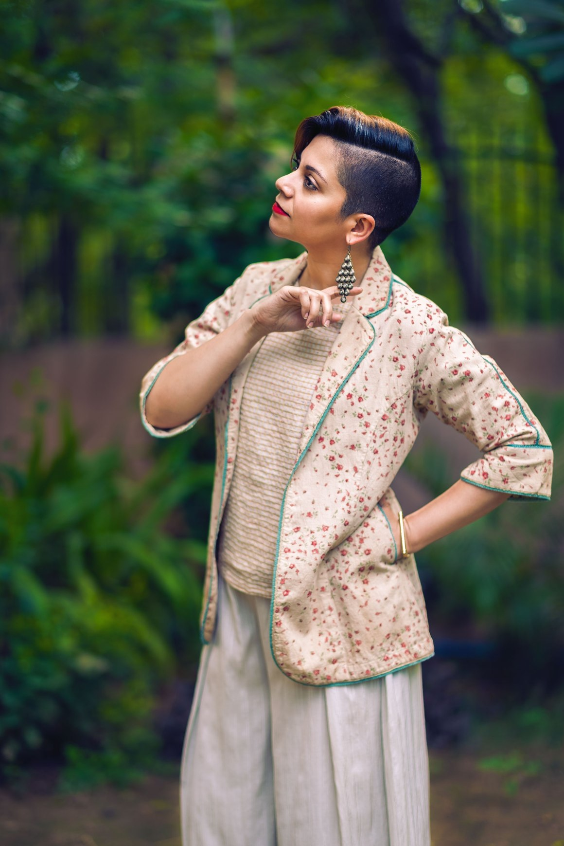 madhurima singh, dhuri, shopdhuri, dhuri label, madeinindia, nainaxstyle, naina style edition 110, coverup, sustainable fashion, slow fashion, style, garments, cotton, bamboo, eucalyptus, chanderi silk, crop top, spectral crop top, jacket, festive, indian wear, formal, naina redhu, naina.co, naina, eyesforfashion, indian fashion, personal style, photographer personal style, azo-free dye, vegetable dye, natural fibers, weave, texture, gold
