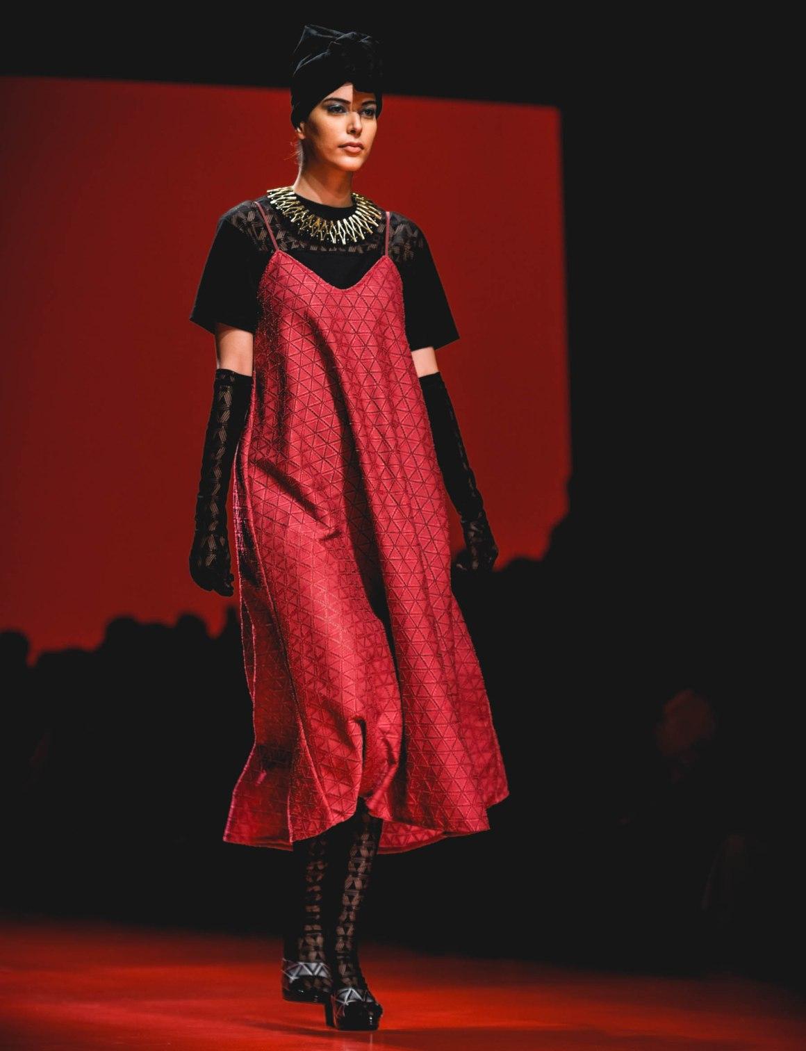 #EyesForFashion, blogger, Delhi Blogger, Delhi Photographer, Atsushi Nakashima, Japanese Fashion Designer, Japan Fashion, Japanese Fashion, fashion designer, fashion photographer, Fashion Week Delhi, FDCI, Gurgaon Blogger, Gurgaon Photographer, india fashion week, Indian Blogger, lifestyle photographer, LMIFW, LMIFWSS19, Lotus MakeUp India Fashion Week Spring Summer 2019, luxury photographer, naina redhu, naina.co, professional photographer