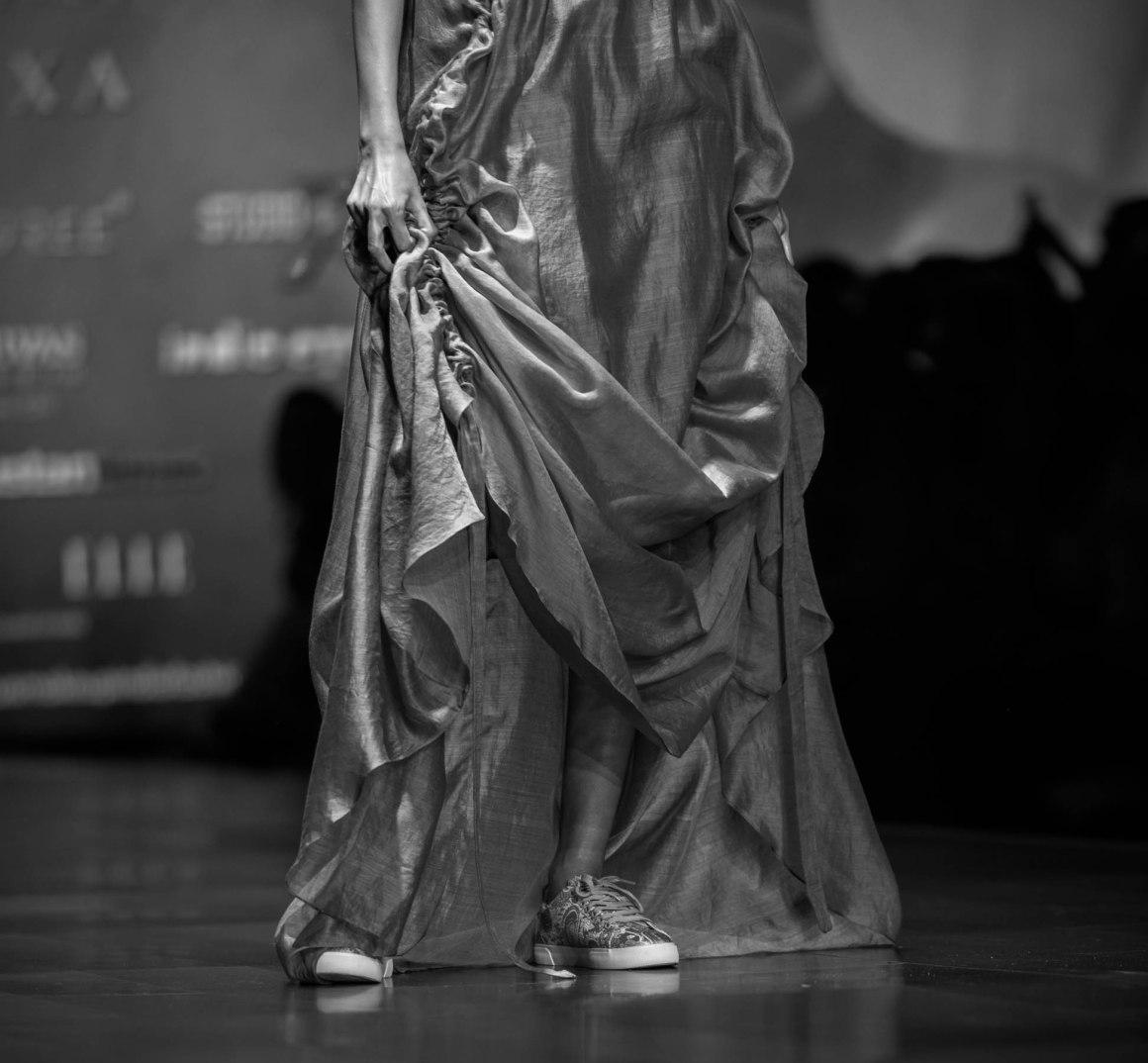 Naina Redhu, Naina.co, Diksha Khanna, Fashion Designer, FDCI, Lotus MakeUp India Fashion Week Spring Summer 2019, LMIFWSS19, LMIFW, India Fashion Week, Fashion Week Delhi, MadeInIndia, Made In India, EyesForFashion, Professional Photographer, Blogger, Fashion Photographer, Lifestyle Photographer, Luxury Photographer, Delhi Photographer, Gurgaon Photographer, Delhi Blogger, Gurgaon Blogger, Indian Blogger
