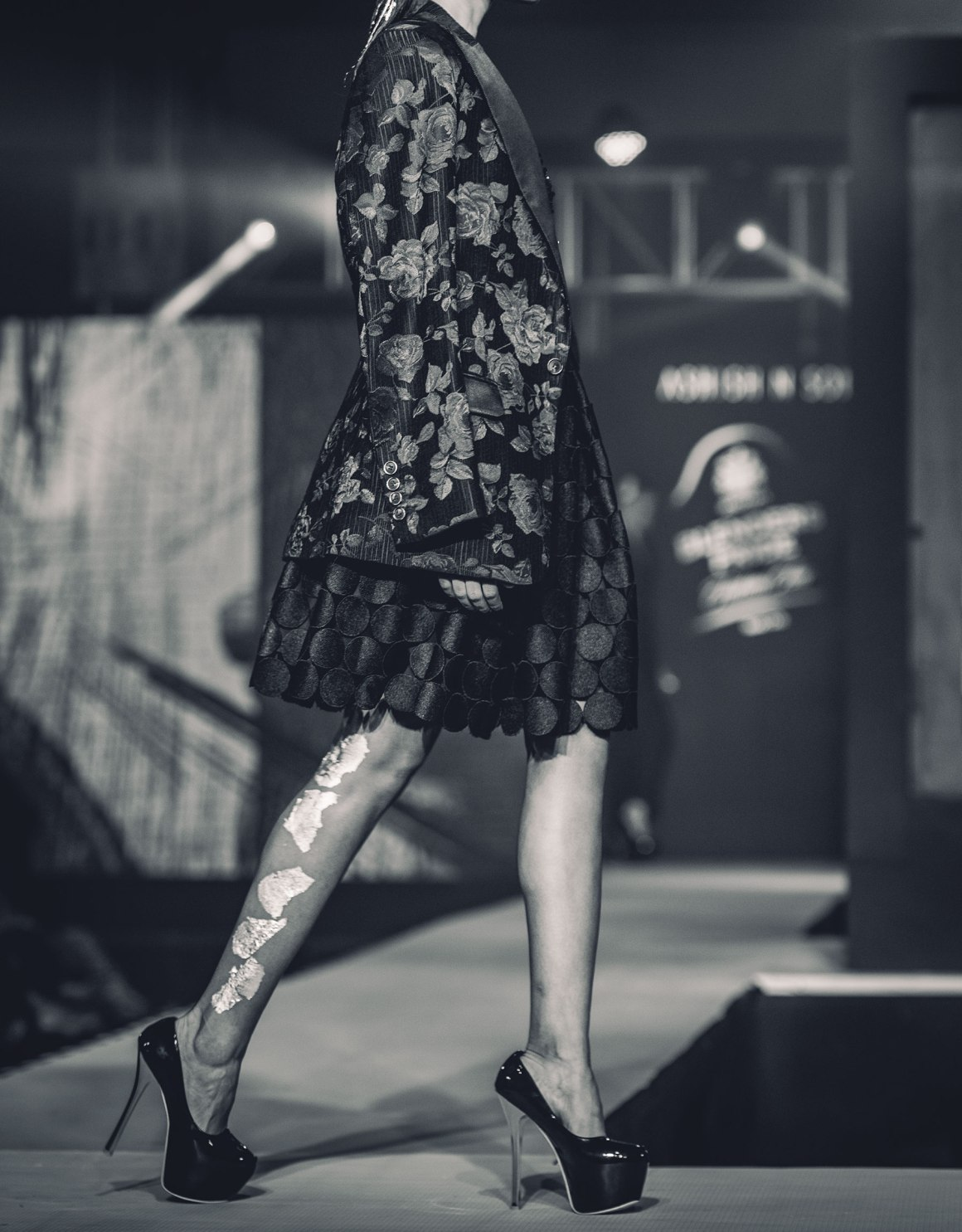 Naina.co, Naina Redhu, Ashish N Soni, Kolkata, Calcutta, Blenders Pride Fashion Tour, BlendersPrideFashionTour, NAINAxBPFT, BPFT2018, BPFT, Pernod Ricard, Black and White, Monochromatic, Monochrome, Ashish Soni, ITC Sonar Banlga, West Bengal, MadeInIndia, EyesForFashion, Client Photography Showcase, Professional Photography, Photo Story, Experience Collector, Runway, Models, MyIdentityMyPride, My Identity My Pride, MyStyleMyPride, My Style My Pride, Sushmita Sen, Rajiv Makhni, Whisky, Whiskey, Blenders Pride, Preferred Professionals, Salt XP, Sanea, Aishwarya Sushmita, Silver Hair, Fashion Installation, Bar, Professional Photographer India, Fashion Photographer India, Lifestyle Photographer India, Lifestyle Photographer, Behind The Scenes, Backstage