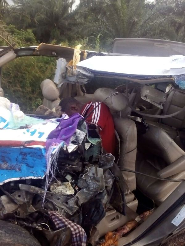 Graphic Photos From The Fatal accident That Happened on