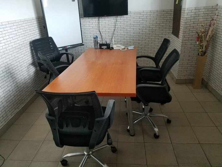 swivel chair nigeria sure fit dining covers nz for sale 8 executive office chairs business note that this is located in yaba lagos and you would have to take care of the logistics picking up