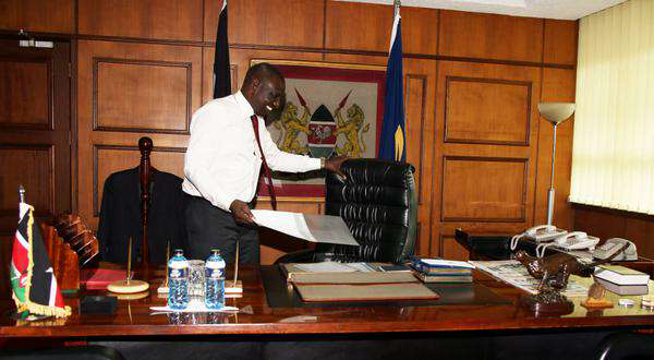 OFFICER David Too ATTACHED to DP Ruto's OFFICE Commits SUICIDE.