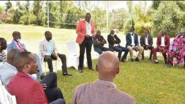 Panic As Ruto Allegedly Calls For A Crisis Meeting With Over 50 Delegates