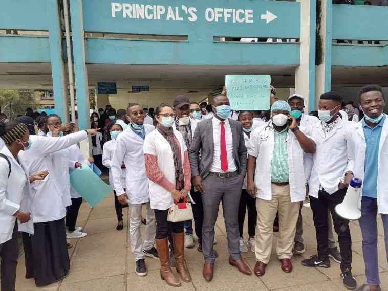See Doctors Salary And Allowances In Kenya