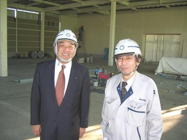 中山社長と吉積係長(写真右)