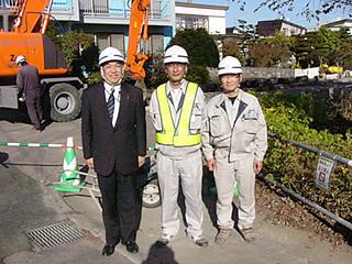 左から中山社長、松田主任、山田主任