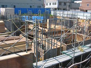 建設中の基礎部分(西側)です