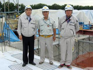 左から 中山社長、高橋課長、木村主任
