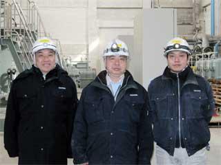 左から 中山社長、小栗所長、田中 裕介さん
