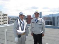 左より、佐藤現場代人、中山社長