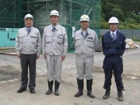 左から、中山社長、浦課長、松田係長、協力会社-西岡総業の岩谷さん