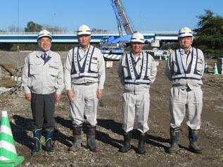左から、佐藤(聡)係長、上村係長、岡本係長