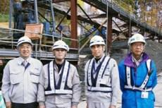 左より中山社長、丹波主任、小林課長、藤元さん(笹田組)