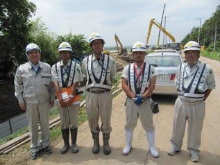 左から、中山社長、工藤君、春木君、能代谷さん、田中さん
