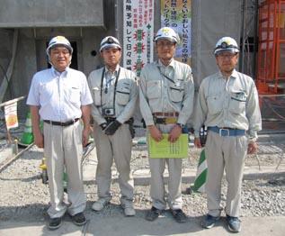 左から、中山社長、右谷さん、高橋さん、田辺さん