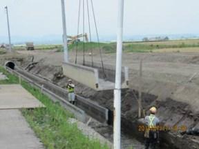 排水路設置作業