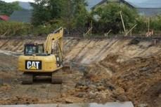道路掘削状況。3回の規制切替を行います。
