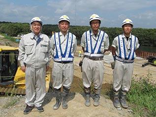 左から 中山社長・近江谷さん・春木さん・辻本さん