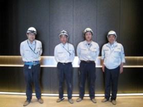 左から 高澤さん、嶋木さん、奥井さん、中山社長