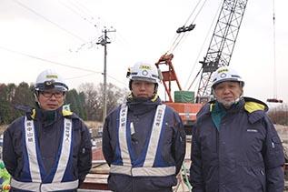 左より中村さん、植田さん、中山社長