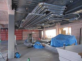 施工中の建物内部