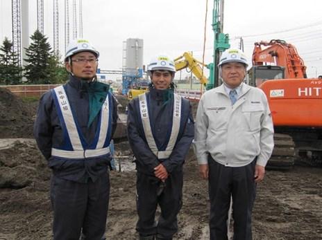 左から 小田桐さん・牧野さん・社長