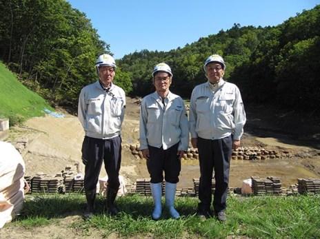 左から佐々木さん、山田さん、中山社長